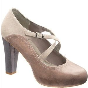 Hush Puppies Heels Brown Gray Mary Janes 8.5